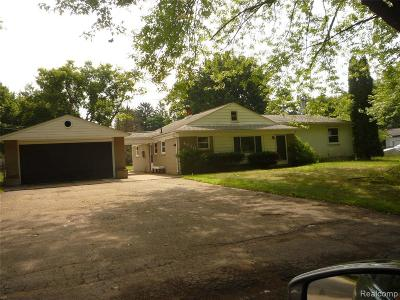 Clarkston Single Family Home For Sale: 4830 Rioview Dr