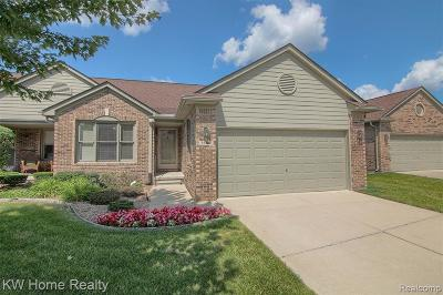 Sterling Heights Condo/Townhouse For Sale: 35467 Upmann Dr