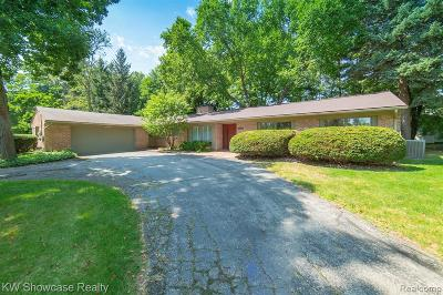 West Bloomfield Single Family Home For Sale: 2002 Long Lake Shore Dr