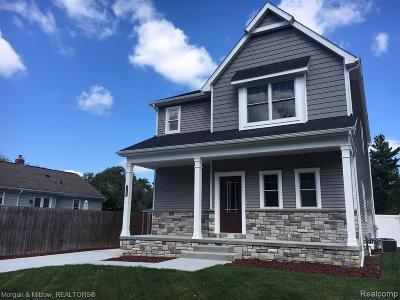 Berkley Single Family Home For Sale: 2750 Oxford Rd