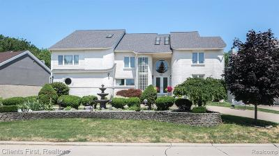 West Bloomfield Single Family Home For Sale: 6141 Oak Trl Trl