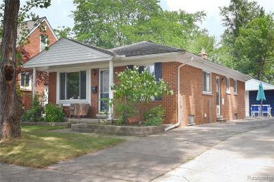 Royal Oak Single Family Home For Sale: 4702 Groveland Ave