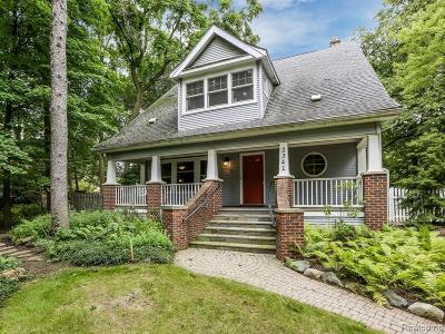 Royal Oak Single Family Home For Sale: 2341 N Main St