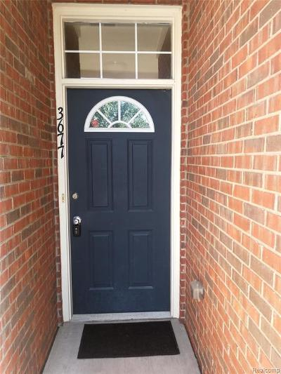 Shelby Twp Condo/Townhouse For Sale: 3677 Eagle Creek