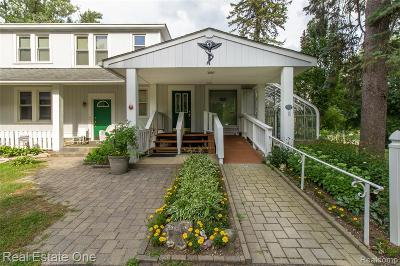Lake Orion Single Family Home For Sale: 857 N Lapeer Rd