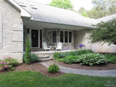 Clarkston Single Family Home For Sale: 4765 Cecelia Ann Ave