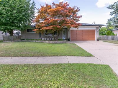 Sterling Heights Single Family Home For Sale: 38031 Charwood Dr