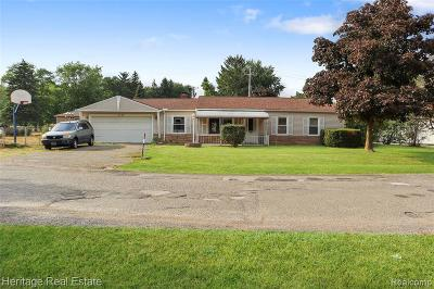 Lake Orion Single Family Home For Sale: 3945 Queensbury Rd