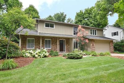 Plymouth Single Family Home For Sale: 10543 Brookwood Dr