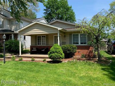 Plymouth Single Family Home For Sale: 679 Jener Pl
