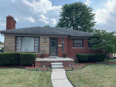 Saint Clair Shores Single Family Home For Sale: 20842 Revere St