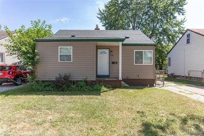 Madison Heights Single Family Home For Sale: 941 W Farnum Ave