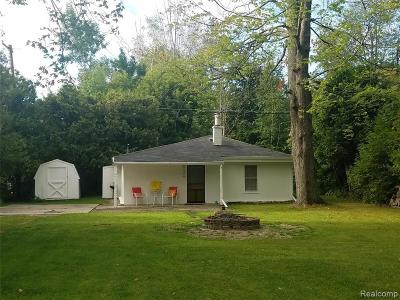 Lexington MI Single Family Home For Sale: $94,900