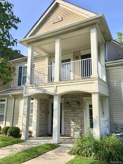Harrison Twp Condo/Townhouse For Sale: 25550 Sun Sail Crt