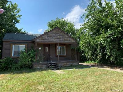 Madison Heights Single Family Home For Sale: 27877 Barrington St