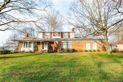 Wayne County Single Family Home For Sale: 28730 Coleman Dr