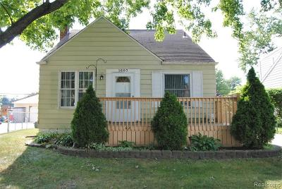 Royal Oak Single Family Home For Sale: 1607 N Alexander Ave