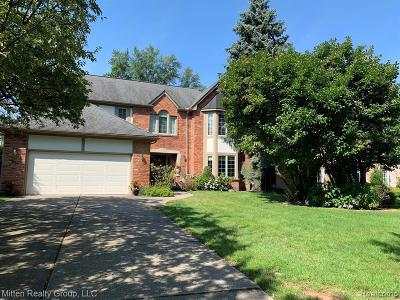 Grosse Pointe Park Single Family Home For Sale: 1045 Whittier Rd