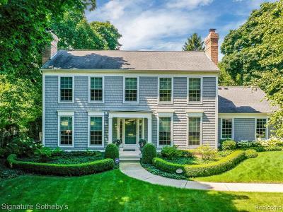Grosse Pointe Park Single Family Home For Sale: 875 Ellair Plc