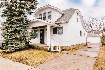 Saint Clair Shores Single Family Home For Sale: 22002 Rosedale St