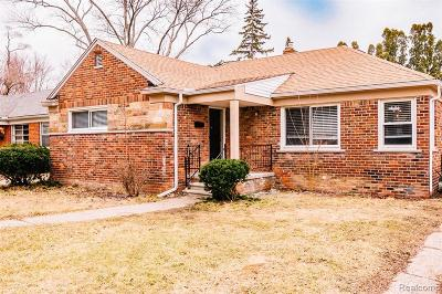 Oak Park Single Family Home For Sale: 24321 Cloverlawn St