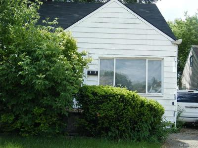 Warren Single Family Home For Sale: 8088 Essex Ave