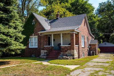 Ferndale Single Family Home For Sale: 210 Saint Louis St