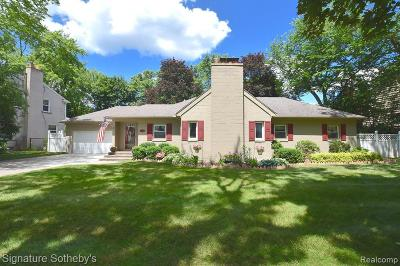 Royal Oak Single Family Home For Sale: 4402 Auburn Dr