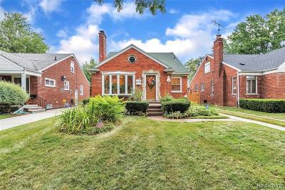 Harper Woods Single Family Home For Sale: 20465 Lochmoor St