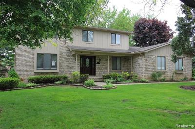 Oakland County Single Family Home For Sale: 2222 Keylon Dr