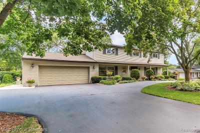 Bloomfield Hills Single Family Home For Sale: 7309 Cathedral Dr