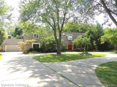 Bloomfield Hills Single Family Home For Sale: 1825 Huntingwood Ln