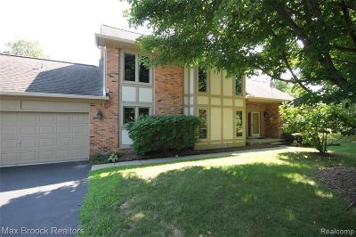 Bloomfield Hills Condo/Townhouse For Sale: 4034 Willoway Place Dr