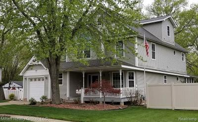 Dearborn Single Family Home For Sale: 7891 Robindale Ave