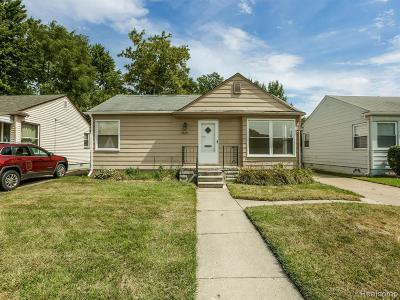 Madison Heights Single Family Home For Sale: 26324 Dartmouth St