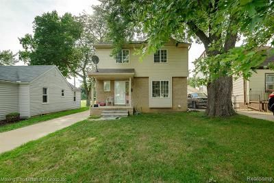 Dearborn Heights Single Family Home For Sale: 8195 Fenton St