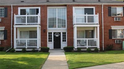 Royal Oak Condo/Townhouse For Sale: 2440 Parmenter Blvd. Blvd