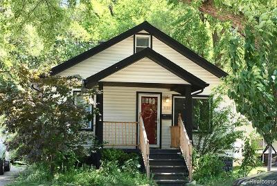 Royal Oak Single Family Home For Sale: 1121 Owana Ave