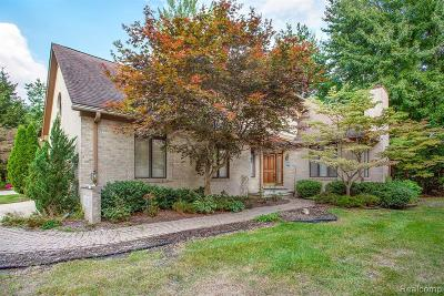 Dearborn Condo/Townhouse For Sale: 10 Cumberlane Crt
