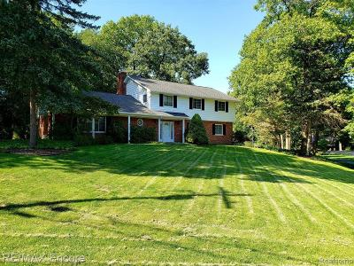 Clarkston Single Family Home For Sale: 4627 Curtis Ln