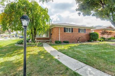 Dearborn Single Family Home For Sale: 6242 Kinloch St