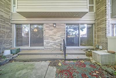 Detroit Condo/Townhouse For Sale: 1983 Thornhill Plc