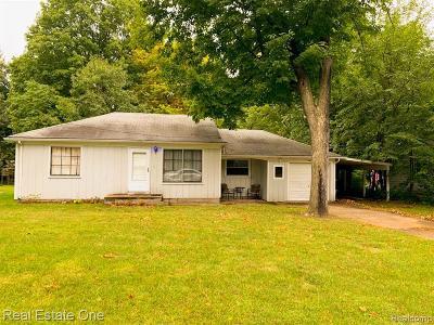 Southfield Single Family Home For Sale: 21420 Frazer Ave