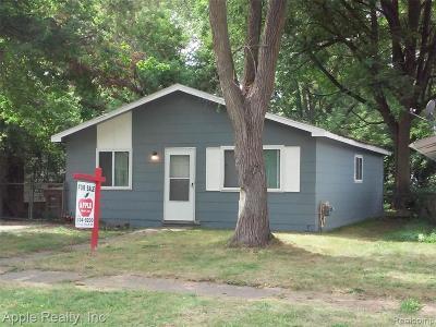 Pontiac Single Family Home For Sale: 821 Orlando Ave