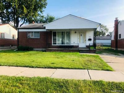 Madison Heights Single Family Home For Sale: 844 Bernie Ln