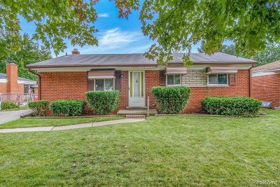 Clinton Township MI Single Family Home For Sale: $159,900