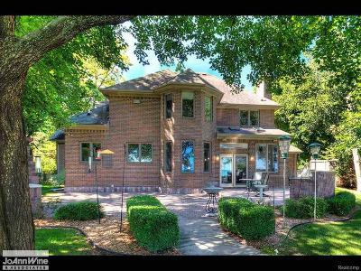 St. Clair Single Family Home For Sale: 5576 Lakeshore