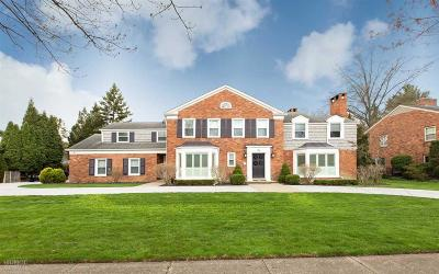 Grosse Pointe Shores Single Family Home For Sale: 71 N Deeplands