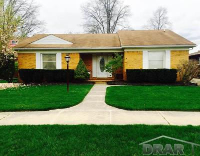 Dearborn Heights Single Family Home For Sale: 223 Rosemary