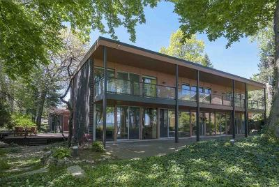 Grosse Pointe Shores Single Family Home For Sale: 735 Lake Shore
